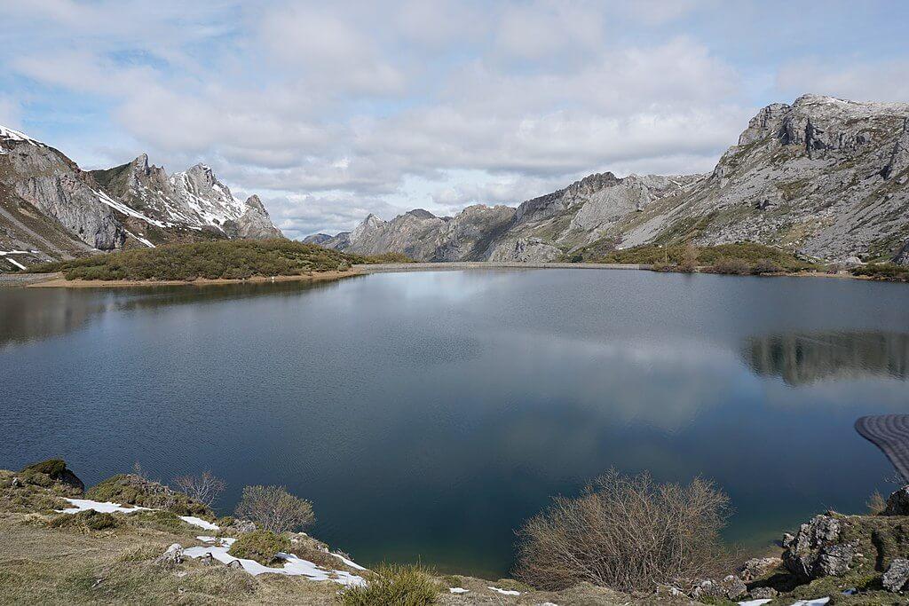 Lago en el asturiano Parque Nacional de Somiedo.