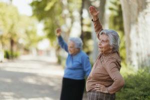 abuelas haciendo ejercicio físico